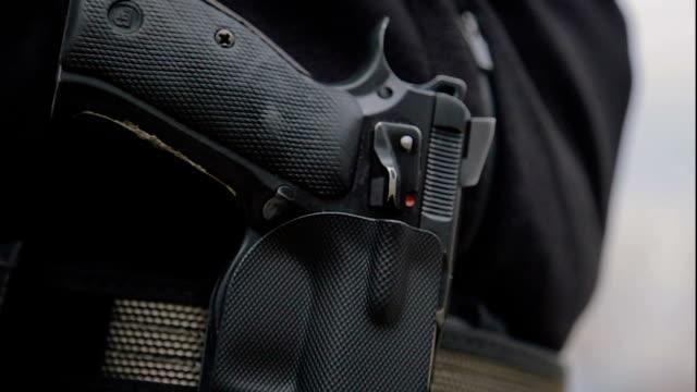 Pistole im Halfter